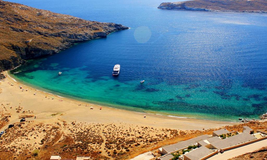 Η Σέριφος έχει την πρώτη smoke-free παραλία στην Ελλάδα