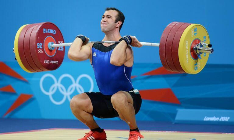 Άρση βαρών: Μένει στους Ολυμπιακούς Αγώνες