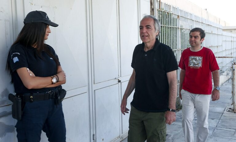 Κουφοντίνας: Μπήκε στην ΜΕΘ του νοσοκομείου Βόλου