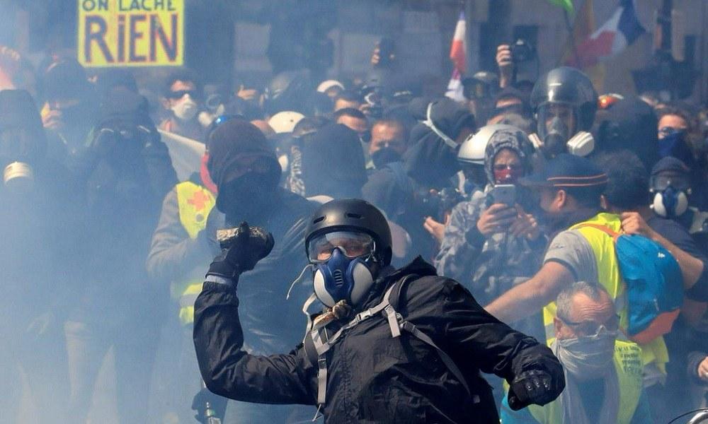 Παρίσι: Χάος και τραυματίες στην πόλη (vids)
