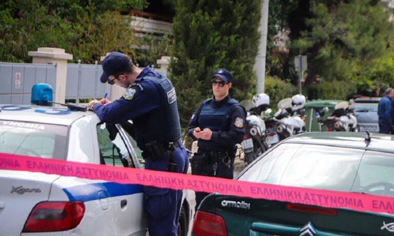 Παλαιό Φάληρο: Νεκρή 53χρονη έξω από το σπίτι της