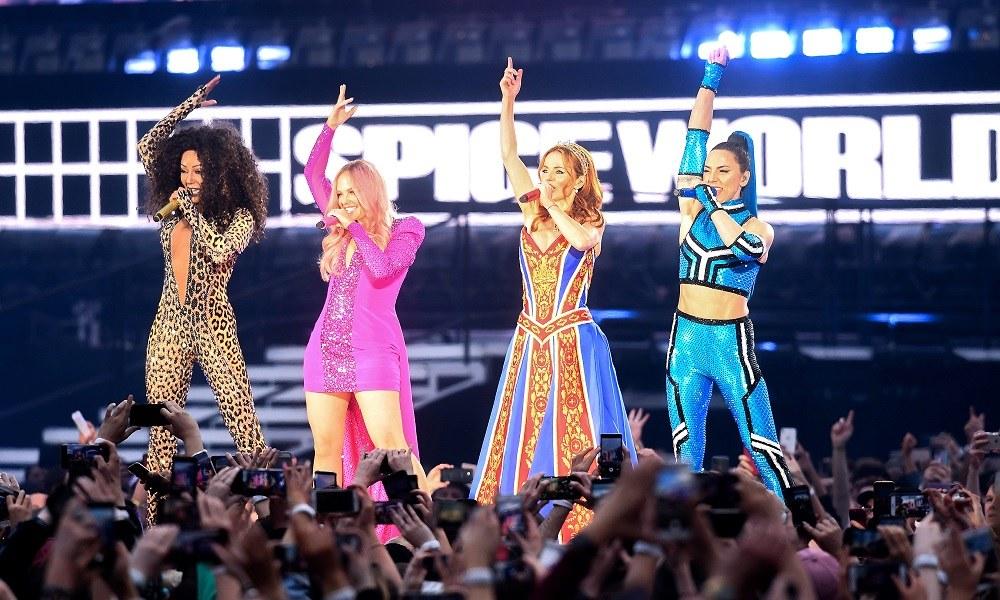 Spice Girls: Άκρως αποτυχημένη η πρώτη τους συναυλία (pics+vids)
