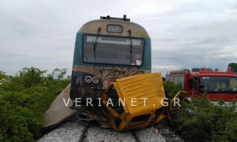 Ημαθία: Σύγκρουση τρένου με ΙΧ – Δύο νεκροί