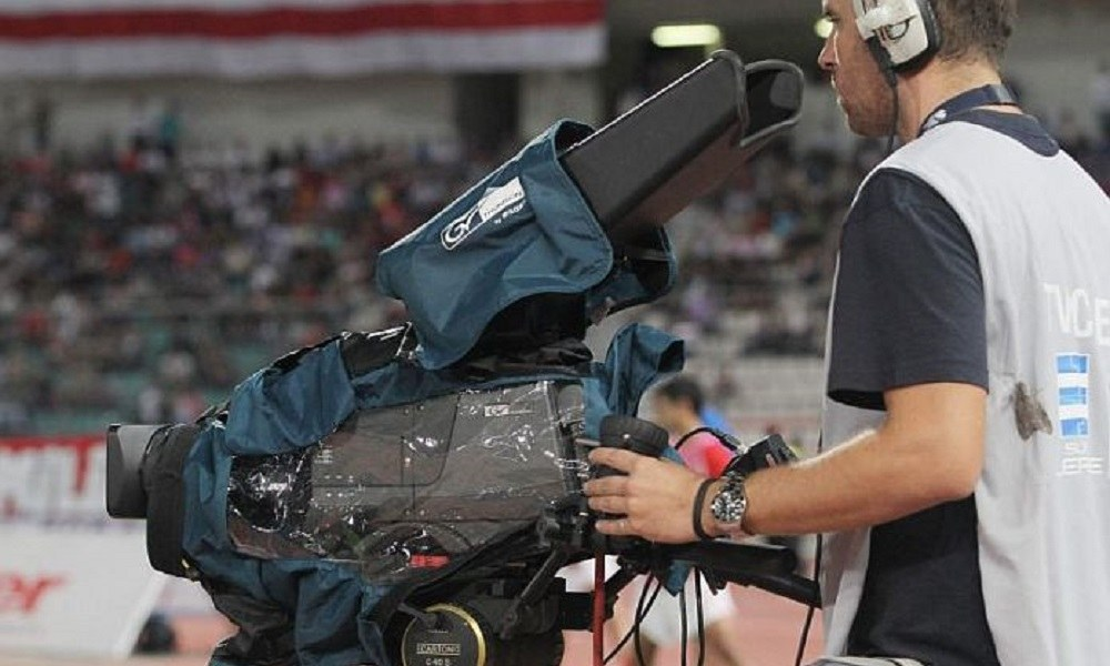 Super League: Περιμένει προτάσεις για την τηλεοπτική παραγωγή των «5»