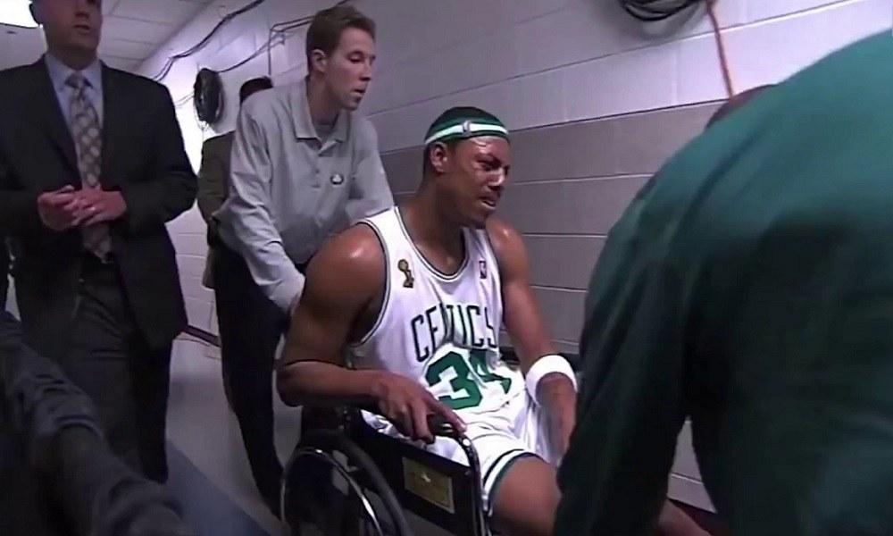 Πιρς: Ο λόγος που αποχώρησε με αναπηρικό καροτσάκι (vid)
