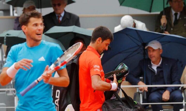 Roland Garros: Αναβολή στο ματς Τζόκοβιτς-Τιμ