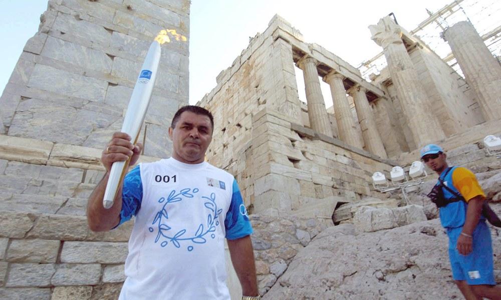 Ολυμπιακός: Το «αντίο» στον Μπάμπη Χολίδη (pic)