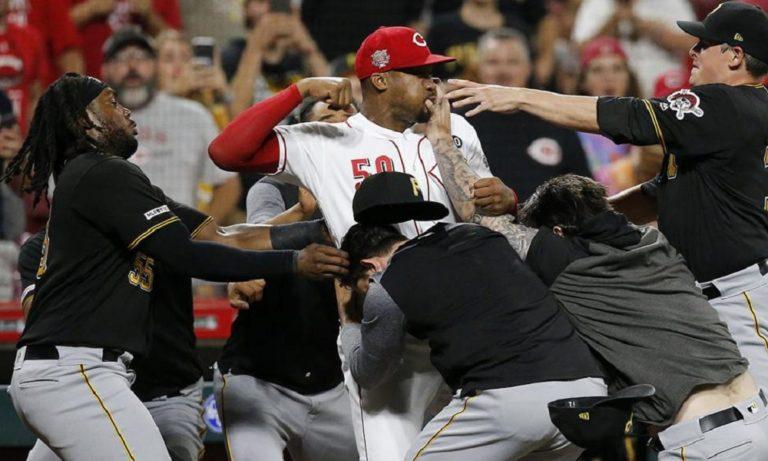 MLB: Μυθικό ξύλο σε αγώνα μπέιζμπολ στις ΗΠΑ (vid)