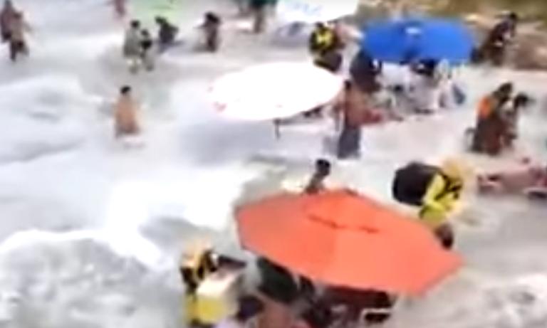 Βραζιλία: Τρόμος με τσουνάμι να παρασέρνει κόσμο (vid)