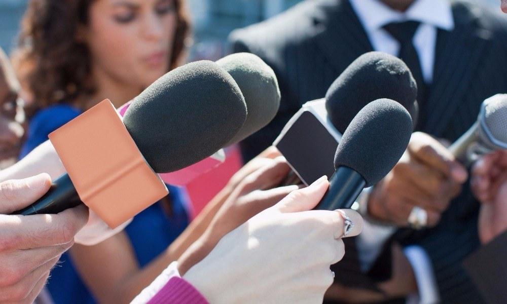 Γίνε δημοσιογράφος για να μπεις στην Βουλή