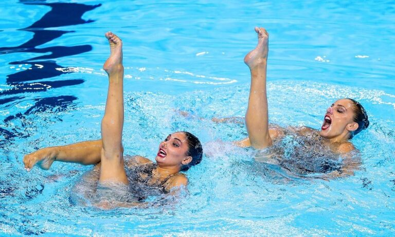 Συγχρονισμένη κολύμβηση: Ένατες οι Πλατανιώτη-Παπάζογλου στο τεχνικό ντουέτο