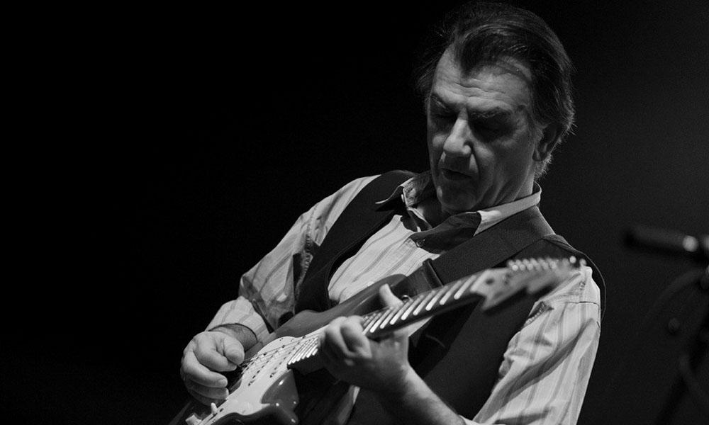 «Έφυγε» ο κιθαρίστας Γιάννης Σπάθας των Socrates