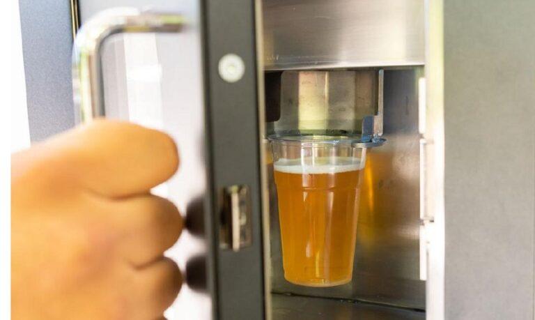 Μπύρα: Ο πρώτος αυτόματος πωλητής στο Θησείο!