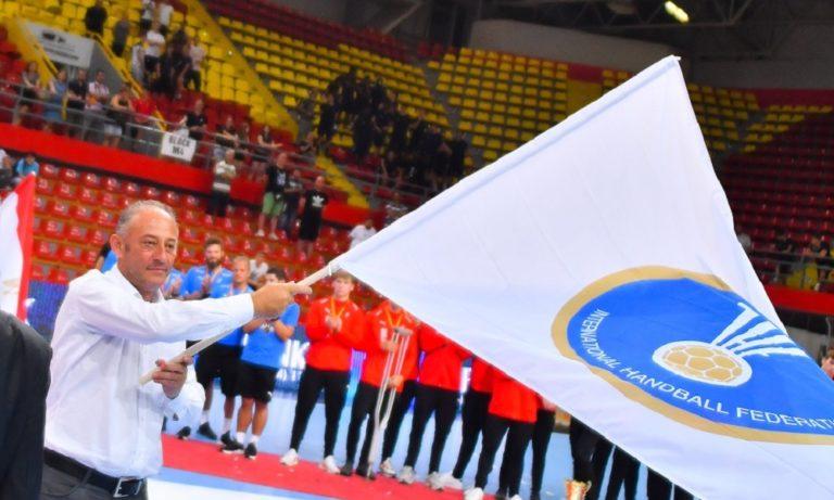 Στην ΟΧΕ η σημαία της IHF ενόψει για το Παγκόσμιο U19