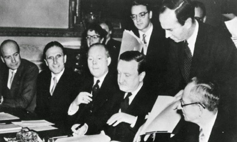 8 Αυγούστου: Υπογράφεται η διαγραφή του χρέους της Γερμανίας