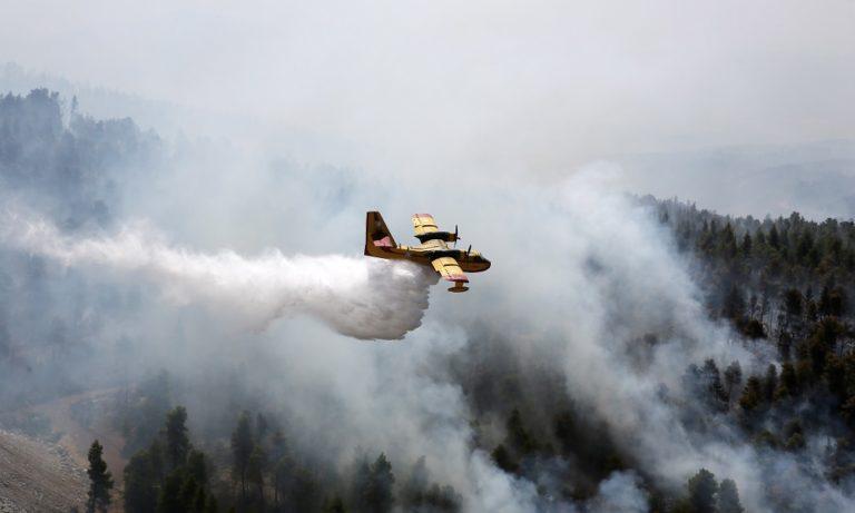 Φωτιά στην Εύβοια: «Μάχη» στην Πλατάνα