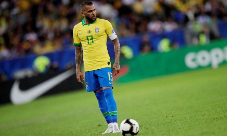 Ντάνι Άλβες: Και επίσημα επιστρέφει στη Βραζιλία (vid)