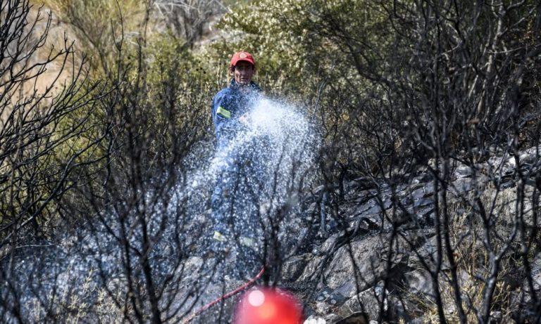 Φωτιά στον Μαραθώνα κοντά στο ελικοδρόμιο