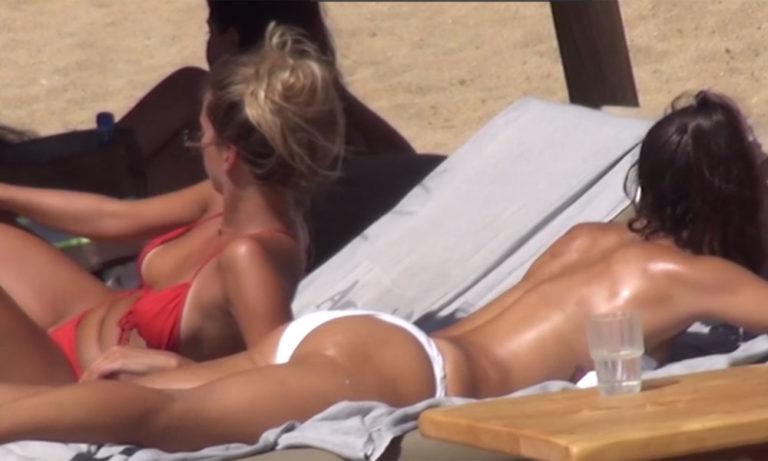 Mykonos Live TV: Μασάζ στην topless Μπόμπα!