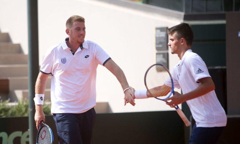 Davis Cup 2019: Σερβίς στο κεφάλι του Τσιτσιπά (vid)
