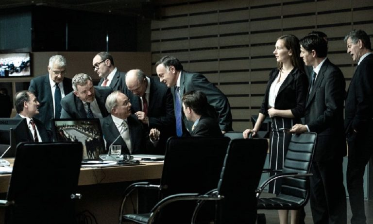 Ενήλικοι στην αίθουσα: «Πόλεμος» στο IMDB για την ταινία με τον Βαρουφάκη!