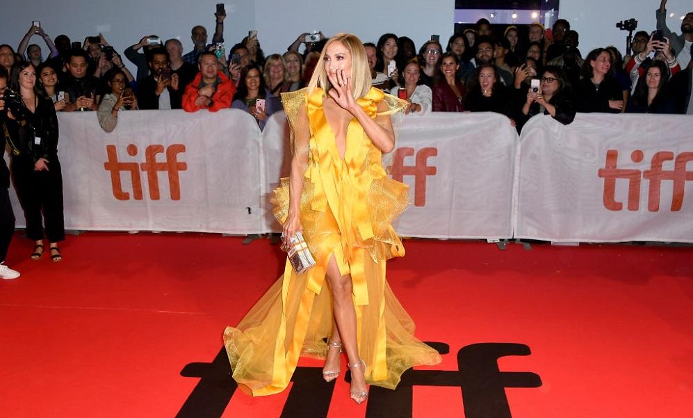 Τζένιφερ Λόπεζ: «Εκρηκτική» εμφάνιση στο φεστιβάλ του Τορόντο (vid)