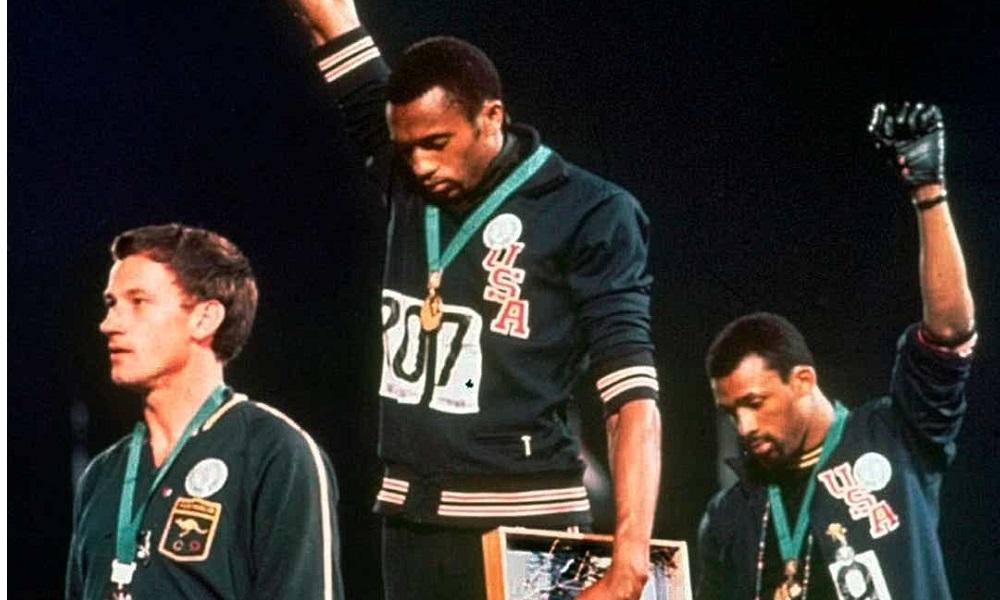 Οι δύο μαύρες γροθιές μπαίνουν στο Hall of Fame!