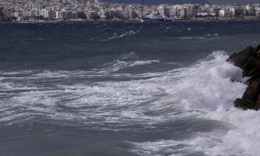 Καιρός 14/9: Ισχυροί άνεμοι και τοπικές βροχές - Sportime.GR