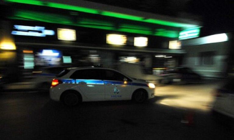 Κάραβελ: Οδηγός ΙΧ αυτοκινήτου πυροβόλησε εναντίον τουριστικού πούλμαν