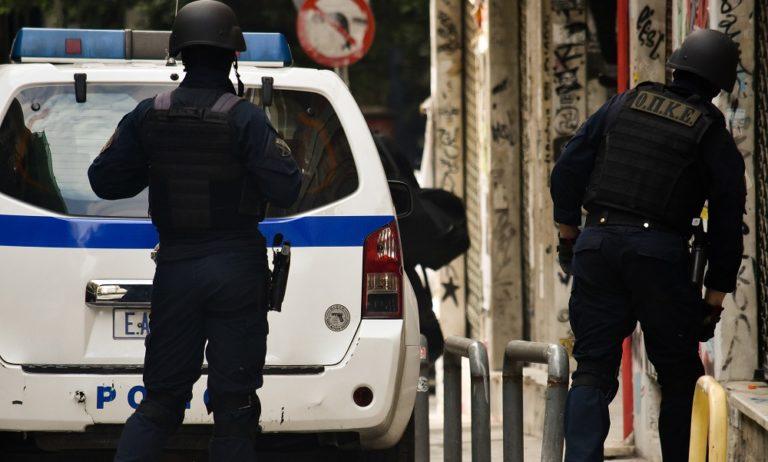 Άγιος Δημήτριος: Άνδρας απειλούσε να ανατιναχθεί, λιποθύμησε από τις αναθυμιάσεις