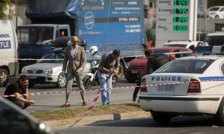 Μαφιόζικη επίθεση στο Χαϊδάρι: Πυροβολήθηκε άνδρας που περίμενε στο φανάρι (vid+pics)