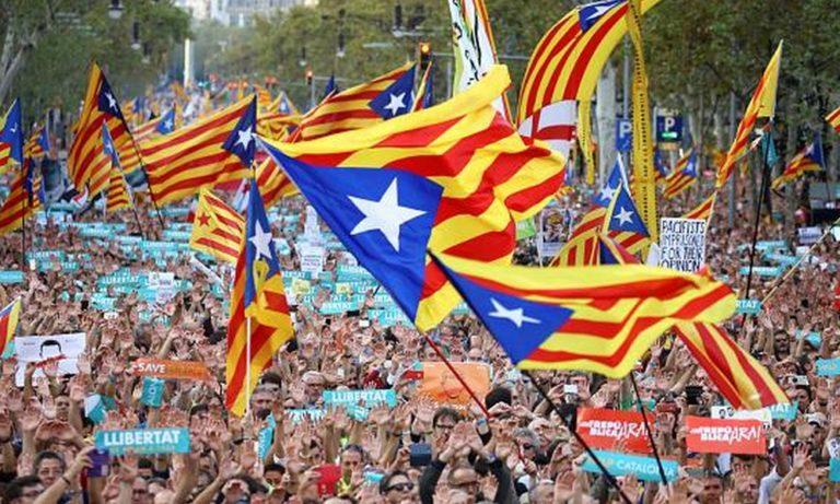 Καταλονία: Κάλεσμα σε πολιτική ανυπακοή (vid)