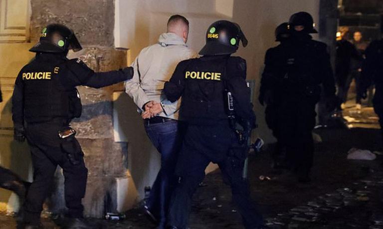 Τσεχία – Αγγλία: Επεισόδια και συλλήψεις στην Πράγα!