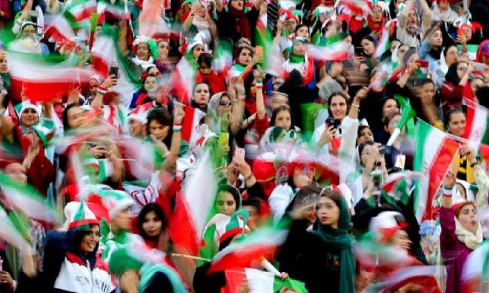 Ιράν: Μετά από χρόνια γυναίκες στο γήπεδο!