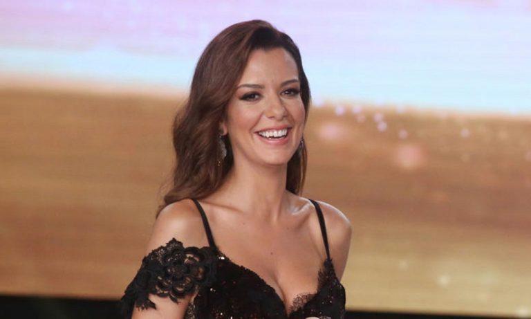 Νικολέτα Ράλλη: Η πιο σέξι πόζα της ζωής της (pic)
