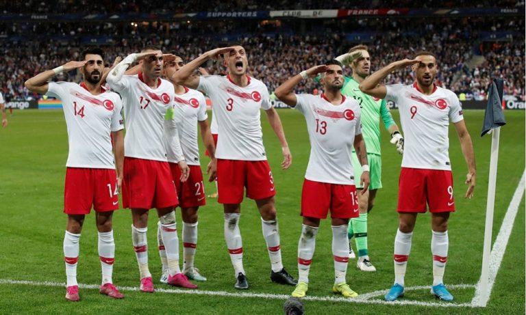 Τούρκοι παίκτες: Πανηγύρισαν ξανά στρατιωτικά (vids)