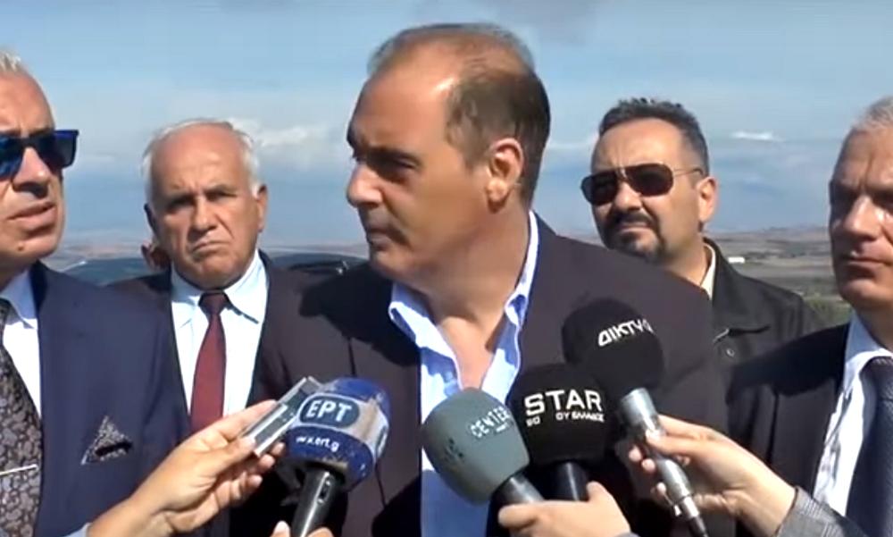 Βελόπουλος «την λέει» σε βουλευτή του: «Δεν χρειάζομαι υποβολέα, χαλάρωσε λιγάκι» (vid)