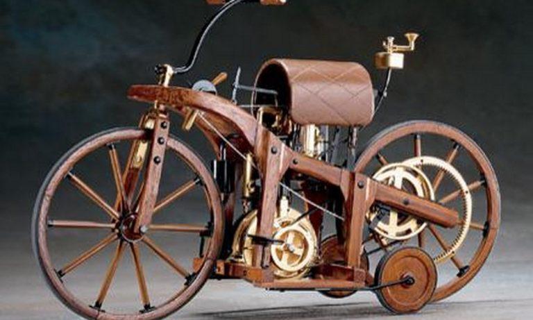1885: Η πρώτη μοτοσικλέτα στον κόσμο