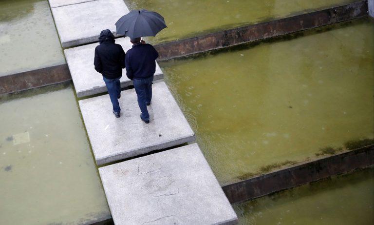 Καιρός 23/11: Βροχές και πτώση της θερμοκρασίας