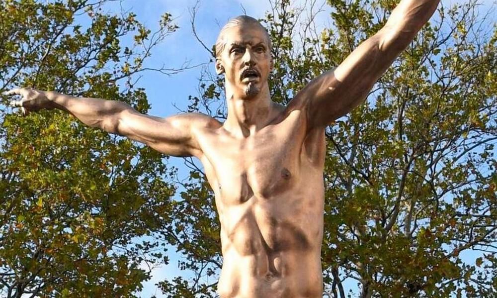 Βανδάλισαν το άγαλμα του Ιμπραΐμοβιτς στο Μάλμε! (vids)