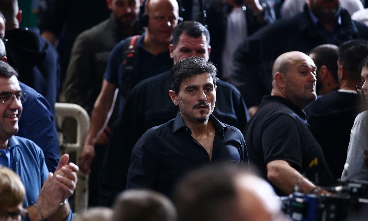 Γιαννακόπουλος: «Το φως κερδίζει το σκοτάδι, αρκεί να μείνει αυτό… και στο δεύτερο ημίχρονο»