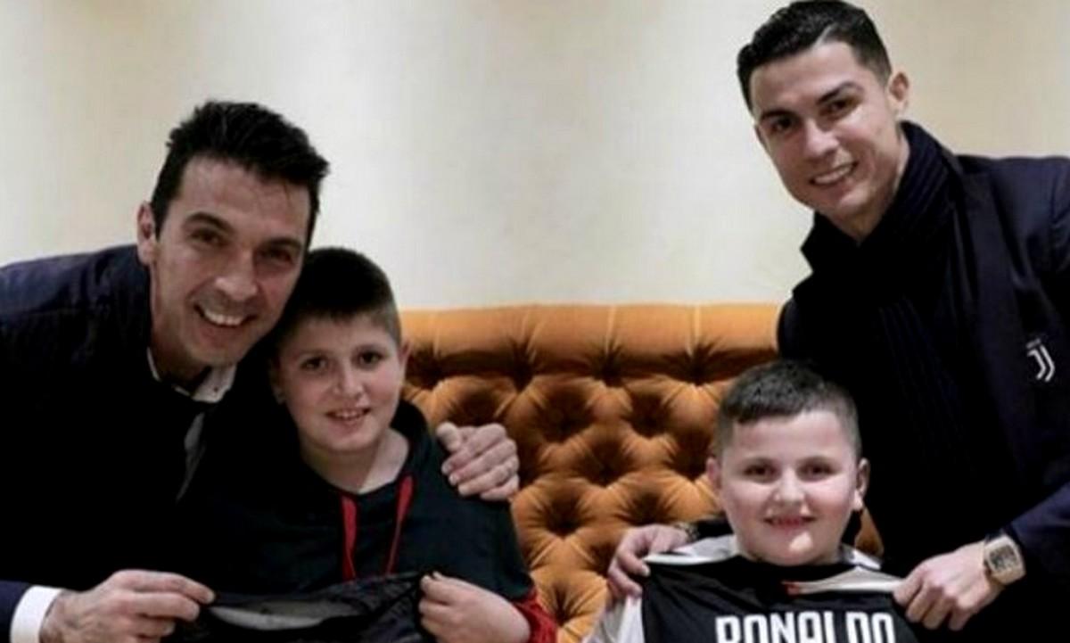 Ρονάλντο – Μπουφόν έκαναν έκπληξη σε παιδιά που έχασαν συγγενείς στον σεισμό της Αλβανίας (pics & vid)