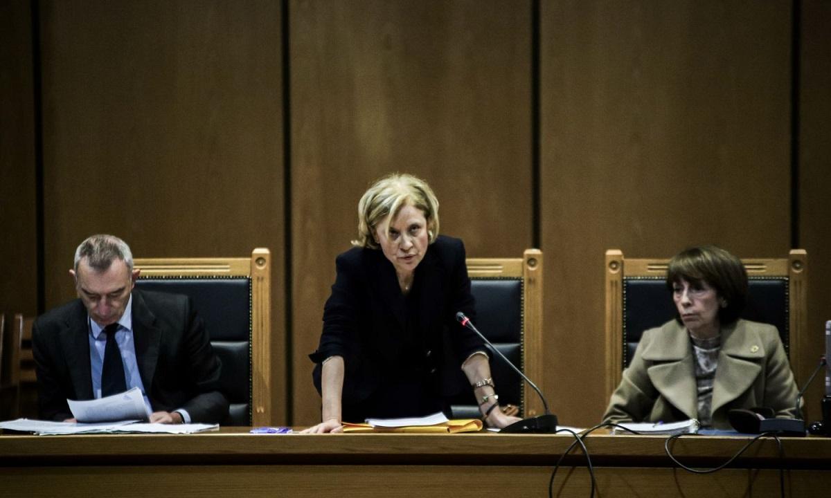 Δολοφονία Φύσσα: Φταίει μόνο ο Ρουπακιάς, προτείνει η εισαγγελέας