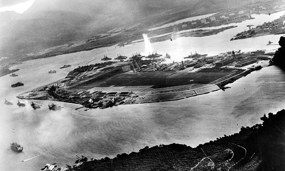 7 Δεκεμβρίου: Οι Ιάπωνες βομβαρδίζουν το Περλ Χάρμπορ