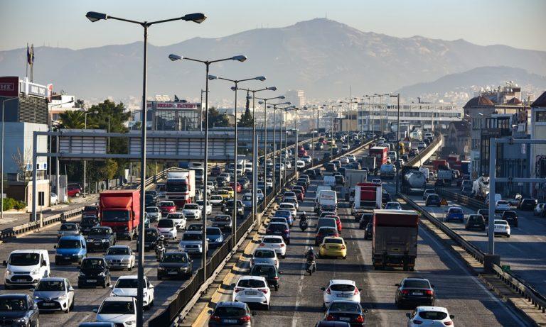 Κίνηση στους δρόμους: Κυκλοφοριακό έμφραγμα στον Κηφισό
