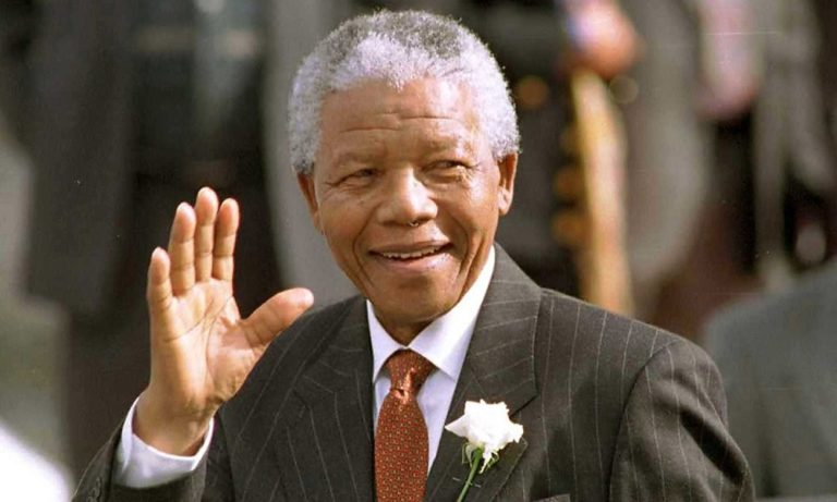 Σαν σήμερα 5 Δεκεμβρίου: 6 χρόνια από τον θάνατο του Νέλσον Μαντέλα