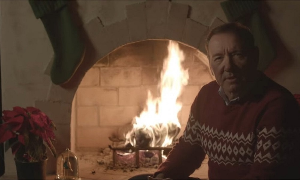 Το αινιγματικό χριστουγεννιάτικο μήνυμα του Κέβιν Σπέισι (vid)