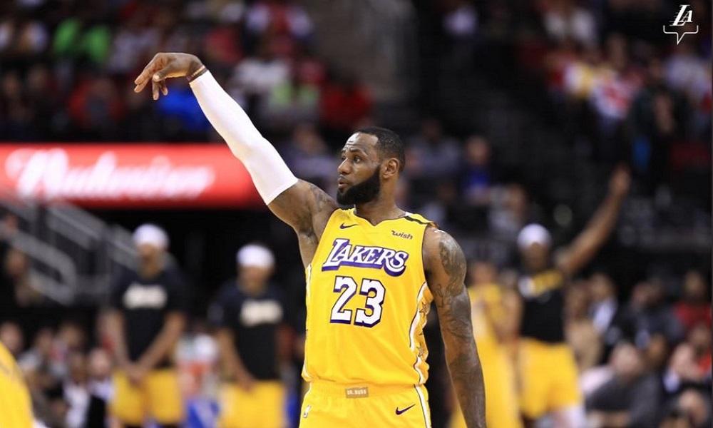 NBA: Υποκλίθηκαν στον «Βασιλιά» οι Ρόκετς, 11 τρίποντα ο Σμαρτ (vids)
