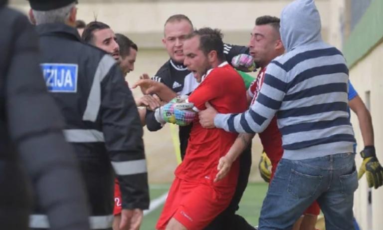 Ποδοσφαιριστής έστειλε τον επόπτη στο νοσοκομείο! (vid)