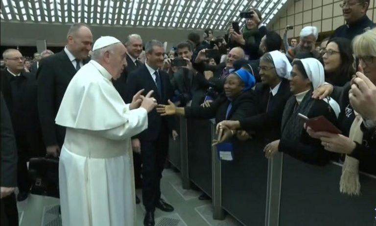 Πάπας Φραγκίσκος: Το κακό χιούμορ σε Αφρικανή για να… ξεπλύνει τη ντροπή